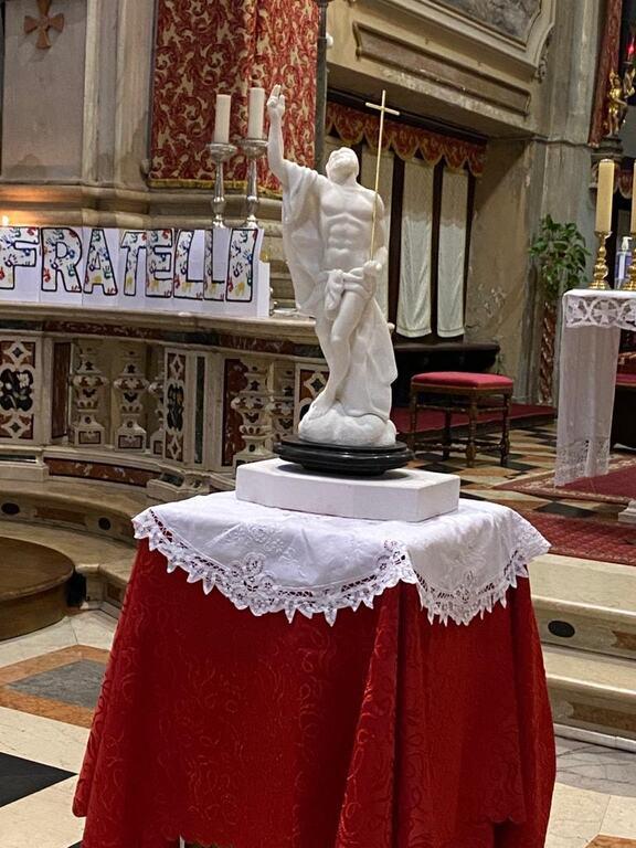 posizionata una copia della statua del Callegari il Cristo Risorto